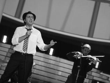Raúl Pérez pone el ritmo de jazz a la gran final de 'Tu cara me suena' con el tema 'Soñar contigo' de Zenet