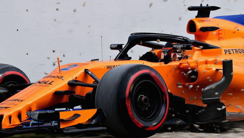 Vandoorne se sale de pista con el McLaren MCL33