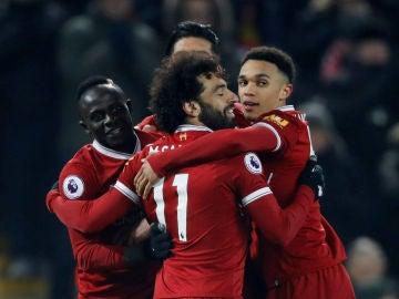 El Liverpool celebra la victoria ante el Newcastle