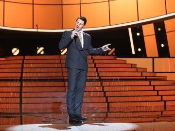 David Amor ilumina su camino con 'My way' de Frank Sinatra en la gran final de 'Tu cara me suena'