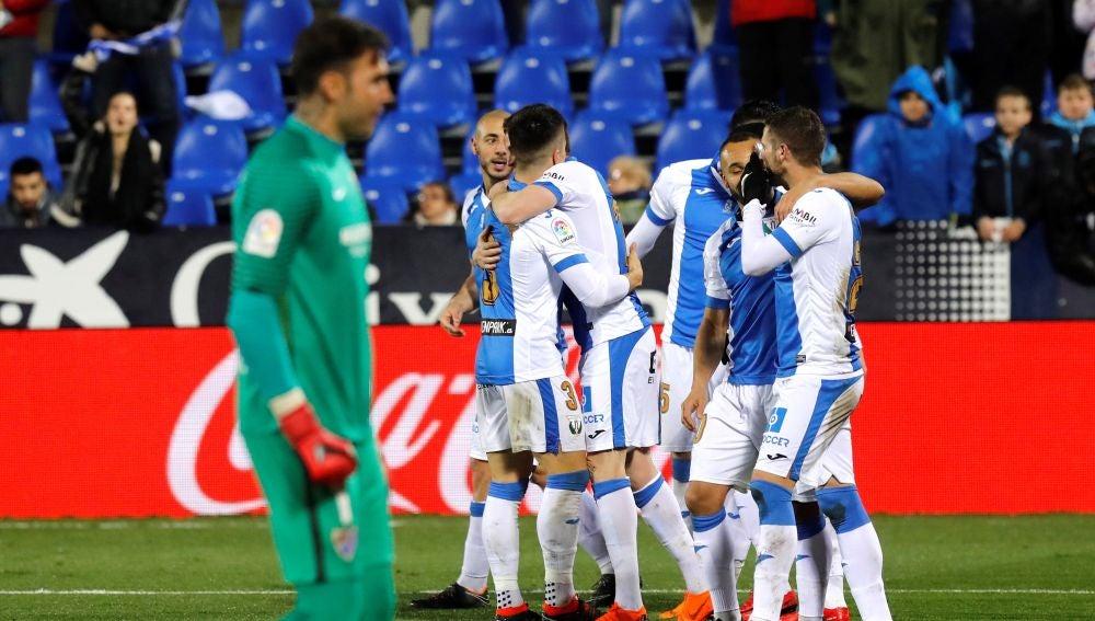 Los jugadores del Leganés celebran uno de los goles frente al Málaga