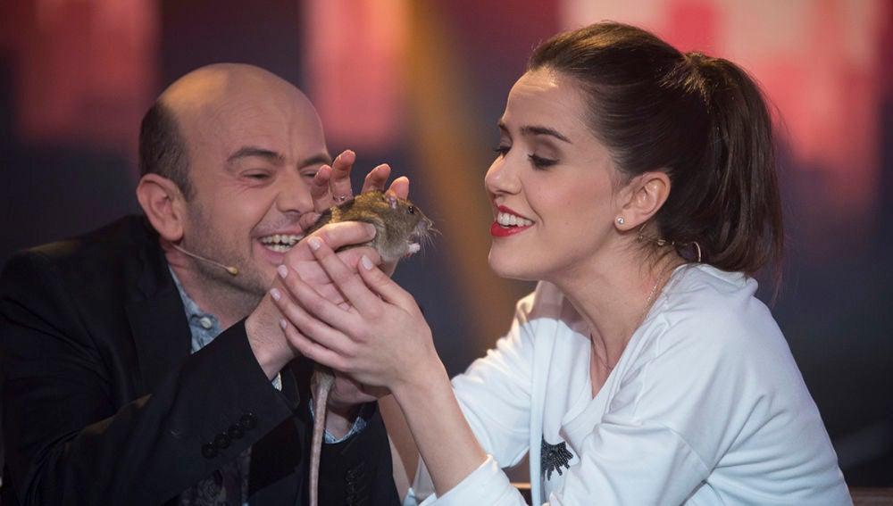 Roko, encandilada con una mascota un tanto peculiar en 'Hipnotízame'