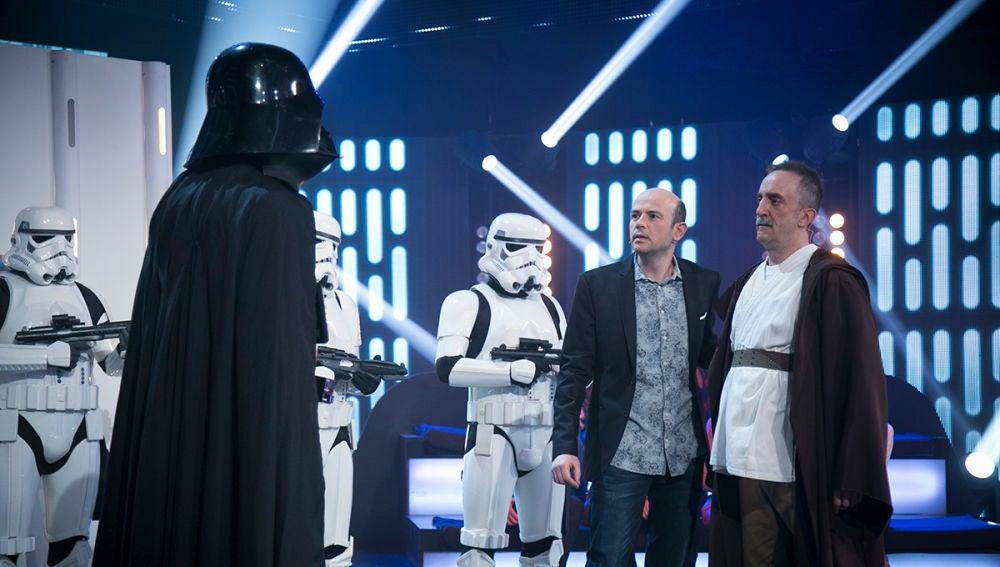 Santi Rodríguez nos sumerge en 'Star Wars'  para luchar contra el lado oscuro como Los Jedis en 'Hipnotízame'