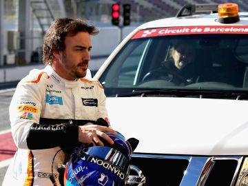 Fernando Alonso, en Montmeló durante los test de pretemporada