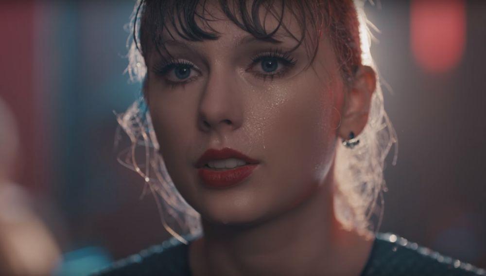 Taylor Swift en el vídeo de 'Delicate'