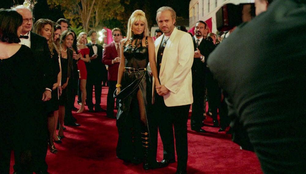 """""""El diseñador de moda Gianni Versace ha sido asesinado en la puerta de su mansión"""""""