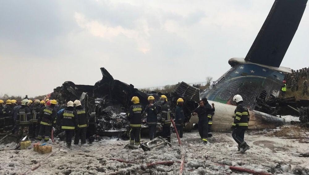 El avión que se ha estrellado en Katmandú
