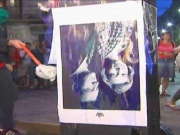 Estrasburgo condena a España por imponer una pena de cárcel a dos personas que quemaron una foto del Rey