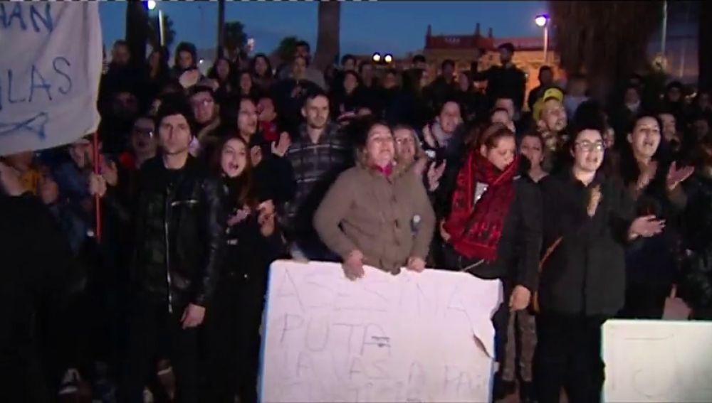 Los familiares de víctimas reclaman a los partidos que no deroguen la prisión permanente revisable
