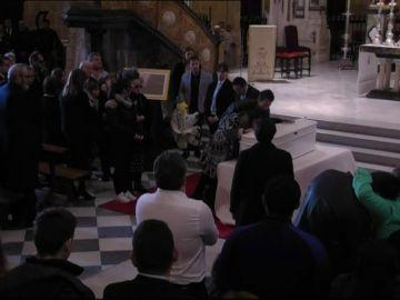 Gritos de 'todos somos Gabriel' al finalizar el funeral en la Catedral de Almería
