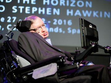 El físico británico Stephen Hawking en una intervención en el festival Starmus, en Canarias