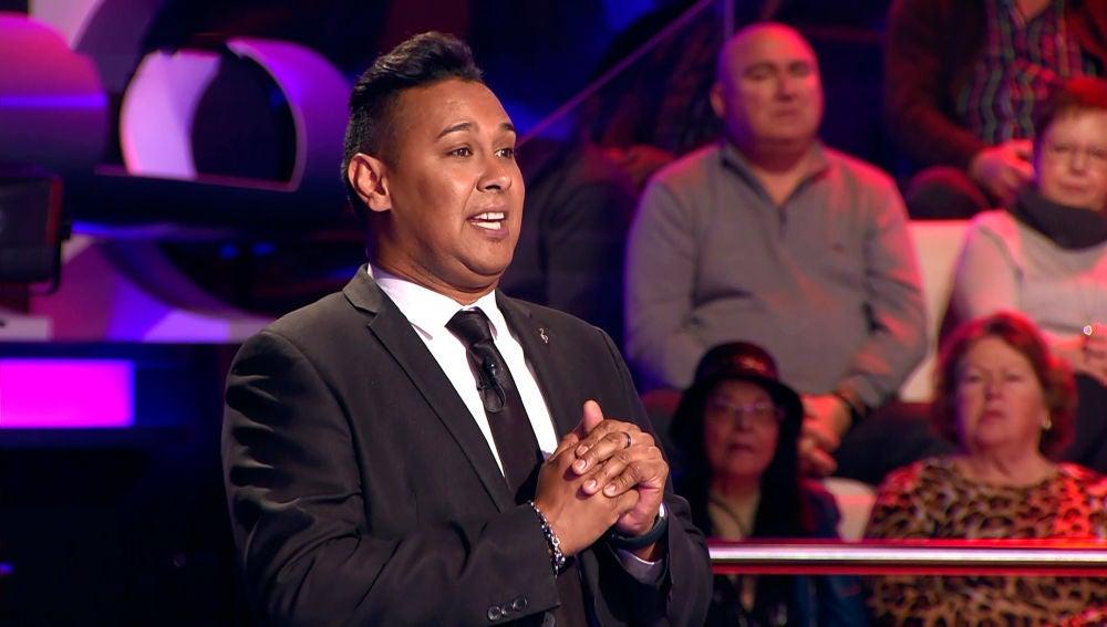 La interpretación de Nino Bravo que ha aplaudido todo el público de '¡Ahora Caigo!'