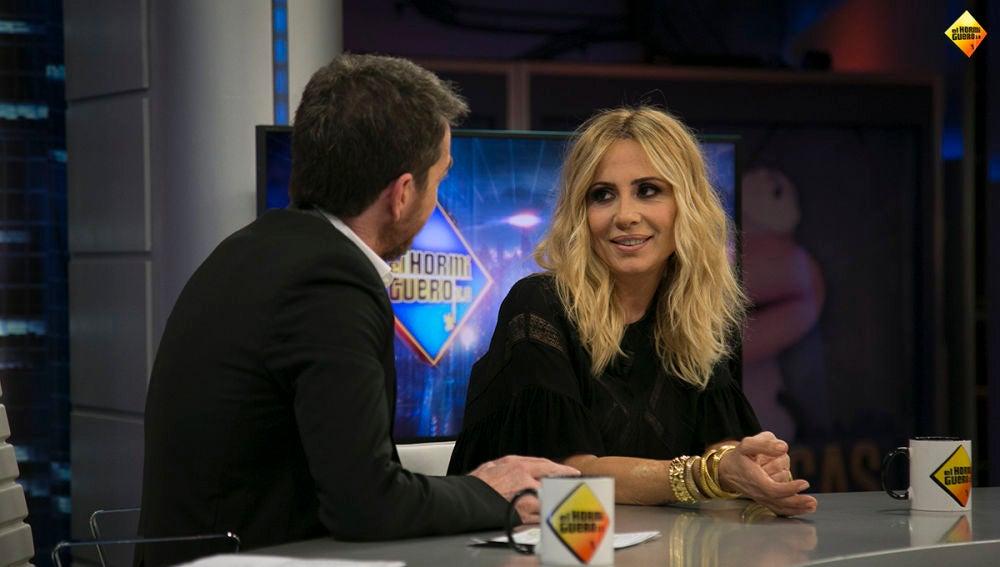 """Marta Sánchez: """"Me ha llamado el Ministro de Cultura para felicitarme por mi versión del himno de España"""""""