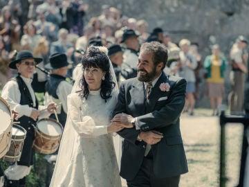 Oubiña celebra por todo lo alto su boda con Esther Lago