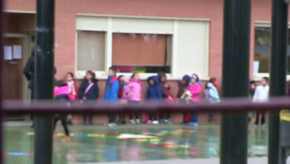 Investigan un incidente a la salida de un colegio de Pinto, Madrid, con un menor y un adulto involucrados