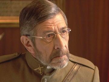El General Pérez Ayala recibe la noticia de la muerte de su hijo