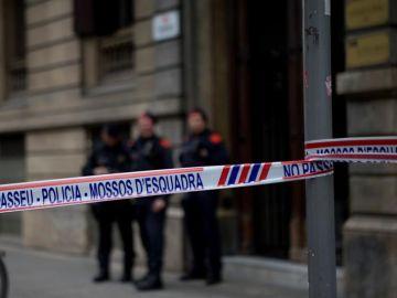 Registro de la sede de Òmnium y la Generalitat