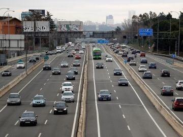 Primeras complicaciones en las salidas de Madrid por la A-2, la A-3 y la A-4