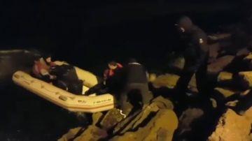 Contrabandistas de tabaco en la Línea de la Concepción se graban en vídeo como muestra de la impunidad que sienten