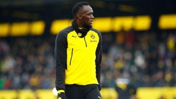 Bolt entrenando con el Borussia