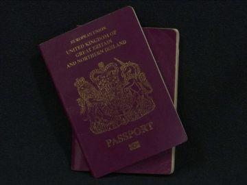 """Critican que los pasaportes británicos se produzcan en Francia tras el """"brexit"""""""