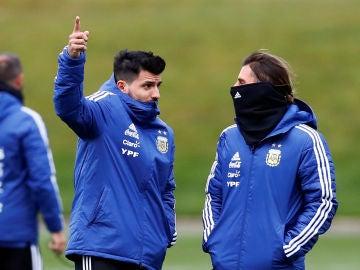 Agüero, en la concentración de Argentina en Manchester