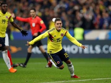 Juan Quintero celebra el gol de la victoria de Colombia en Saint Denis
