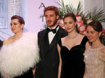 Carlota Casiraghi, Pierre Casiraghi, Beatrice Borromeo y Alejandra de Hannover
