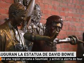 Inauguran la estatua de David Bowie