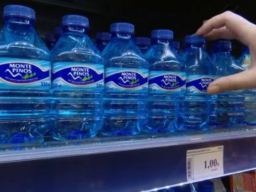 El precio máximo de las botellas de Agua serán de un euro
