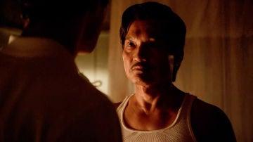 """Andrew Cunanan se enfrenta a su padre: """"Si tú eres una mentira, yo también lo soy"""""""