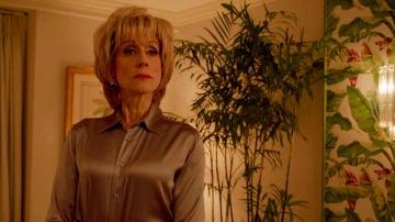 Una abatida Marilyn Miglin recibe una visita del FBI