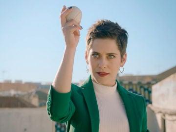 'Allí Abajo' estrena cabecera con la nueva imagen de María León para la cuarta temporada