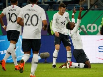 Paul Pogba celebra su gol ante Rusia