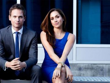 Meghan Markle y Patrick J. Adams en 'Suits'