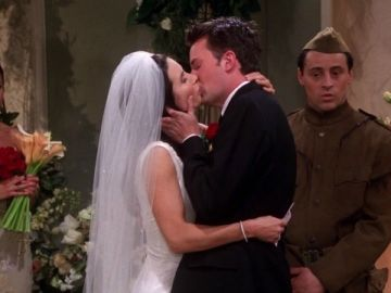 Chandler y Monica de 'Friends'
