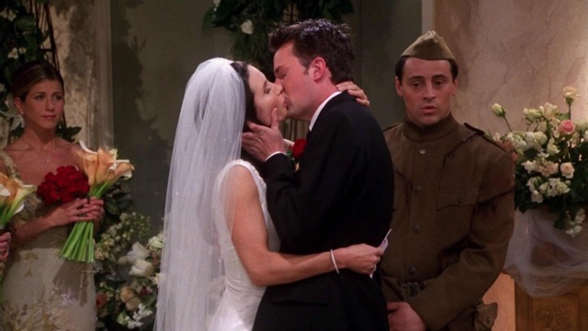 Chandler y Monica de 'Friends'