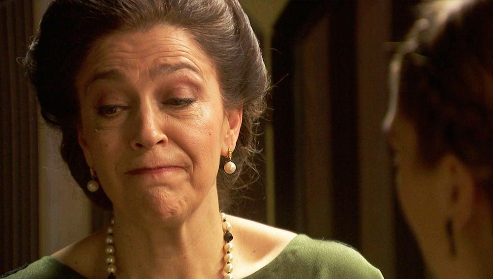 Doña Francisca, dispuesta a todo para acabar con  los problemas de Julieta y Prudencio