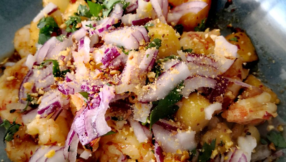Gambas con salsa con piña y salsa de soja caramelizada