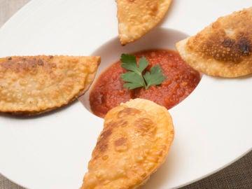 Empanadillas de atún con tomate