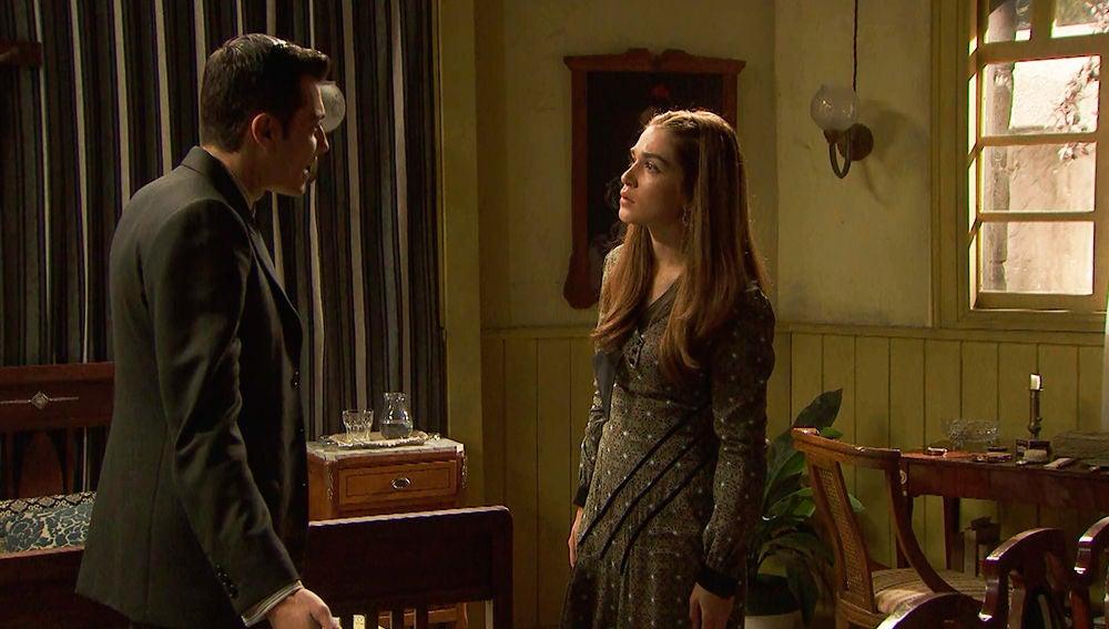 Prudencio echa en cara a Julieta su comportamiento