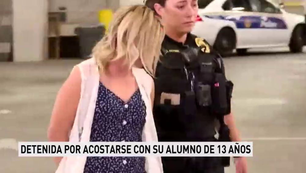Detenida una profesora por acostarse con su alumno de 13 años