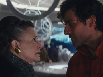 Carrie Fisher y Poe Dameron en 'Star Wars: Los últimos Jedi'