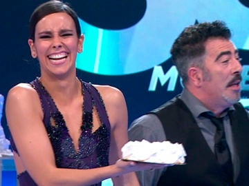 Cristina Pedroche hace estallar una divertida guerra de tartazos en 'Top 50'