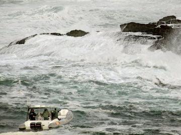 Operación de rescate en la playa del Orzán