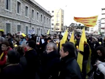 'Procesión por los presos' políticos catalanes al grito de 'presos políticos, libertad' en Tarragona