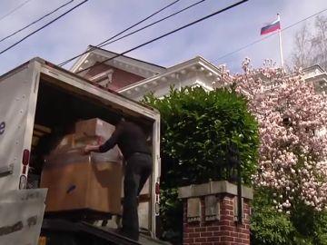EEUU critica la decisión de Rusia de cerrar su consulado en San Petersburgo y expulsar a 60 diplomáticos