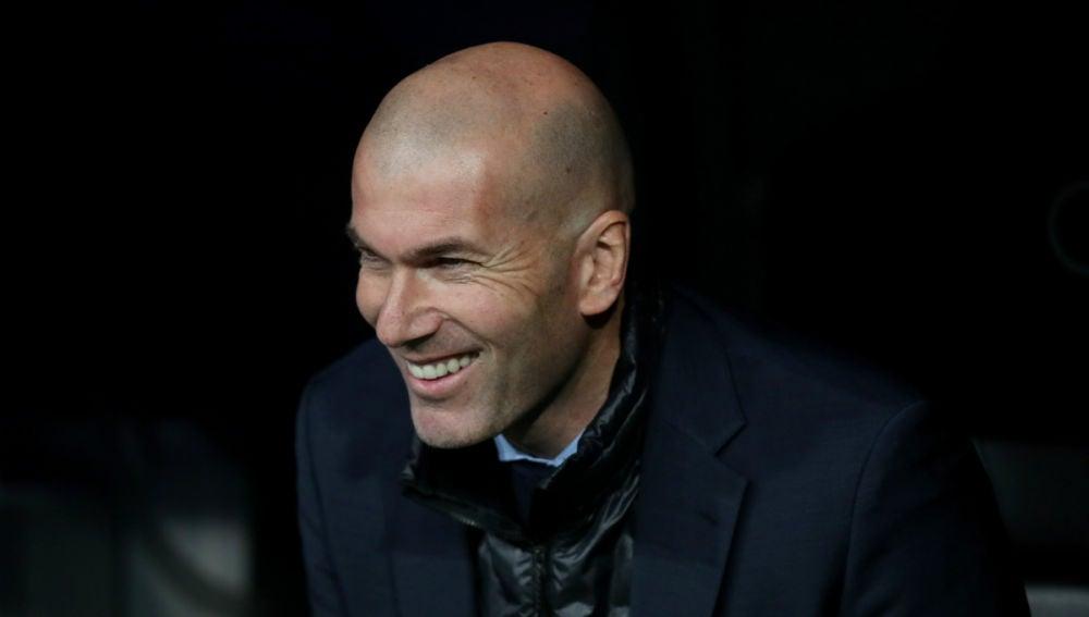 Zidane, sonriente