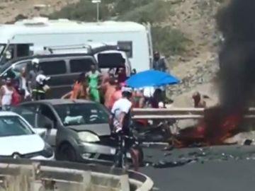 Cuatro heridos en una colisión entre un coche y dos motos