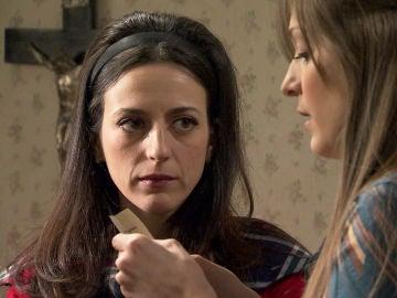 Susana y Llanos descubren que Javier es el amante secreto de Vicky
